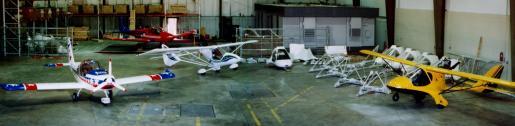 Sun'n Fun 1999 hangar - Griffon, Skyboy, Eurostar and Sova